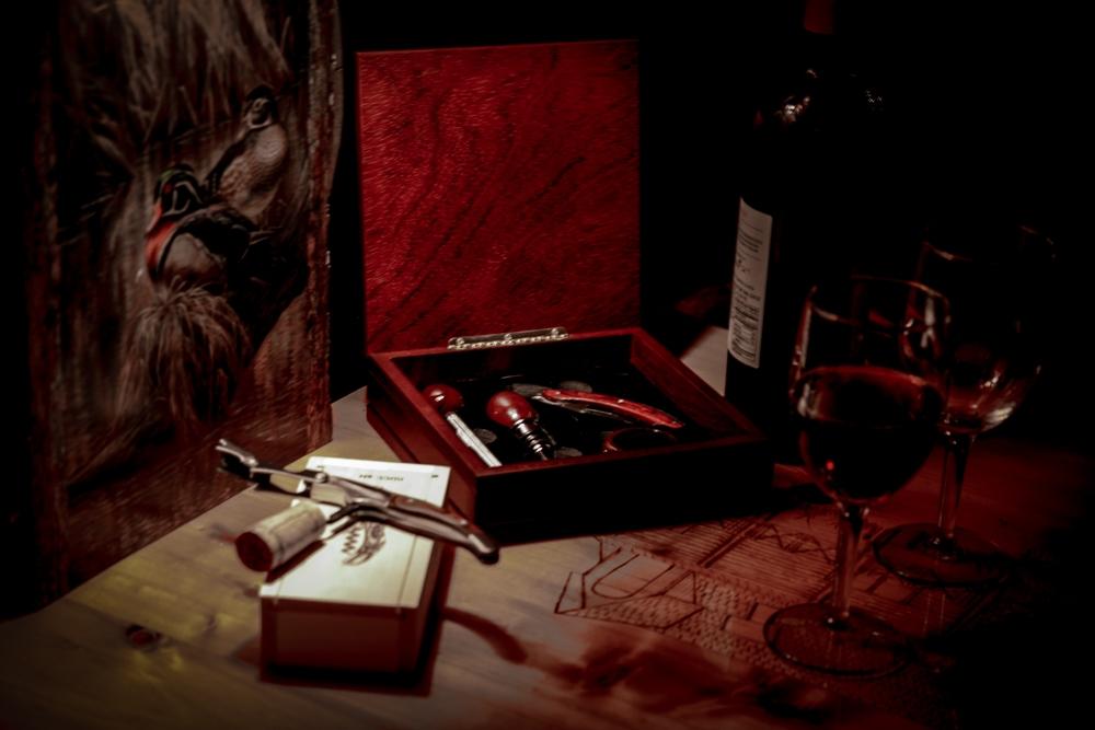 Corkscrew In A Gift Box 0503r